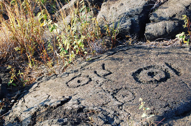 petroglyphs-lava
