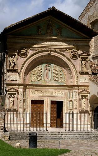 Perugia piazza san francesco al prato oratorio di san be for Piazza san francesco prato