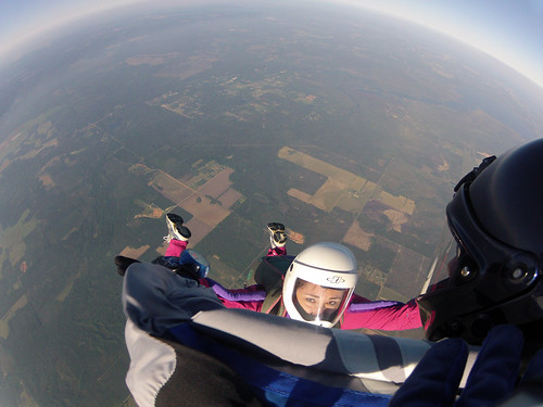 Skydiving Apr 2012, Rebecca on the hill, 5-way RW | by divemasterking2000