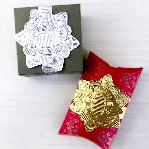 Layered Gift Bows by Papertrey Ink