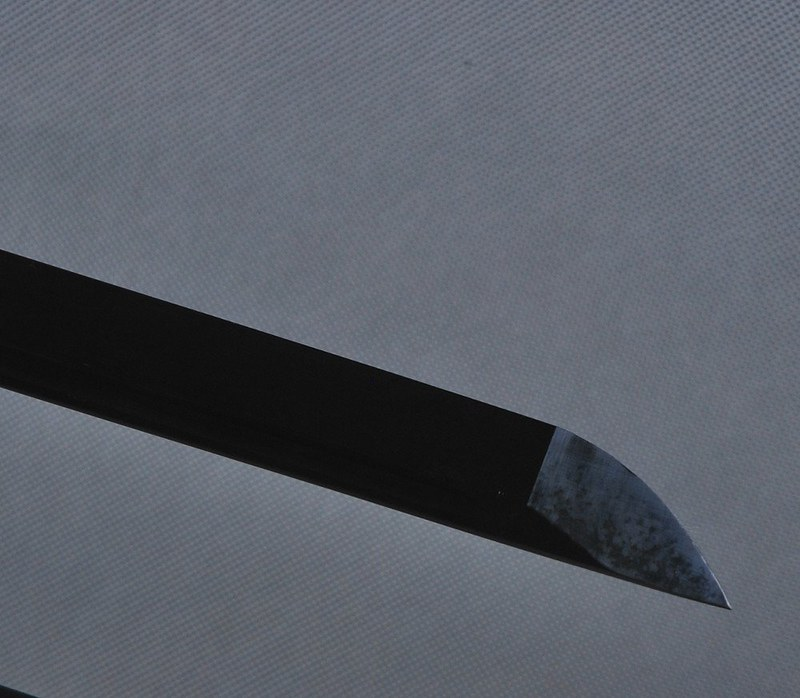 Japanese-samurai-sword-black-blade-tip