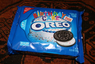 Nabisco Oreo Birthday Cake Flavor Creme  American cookies!  Like_the ...