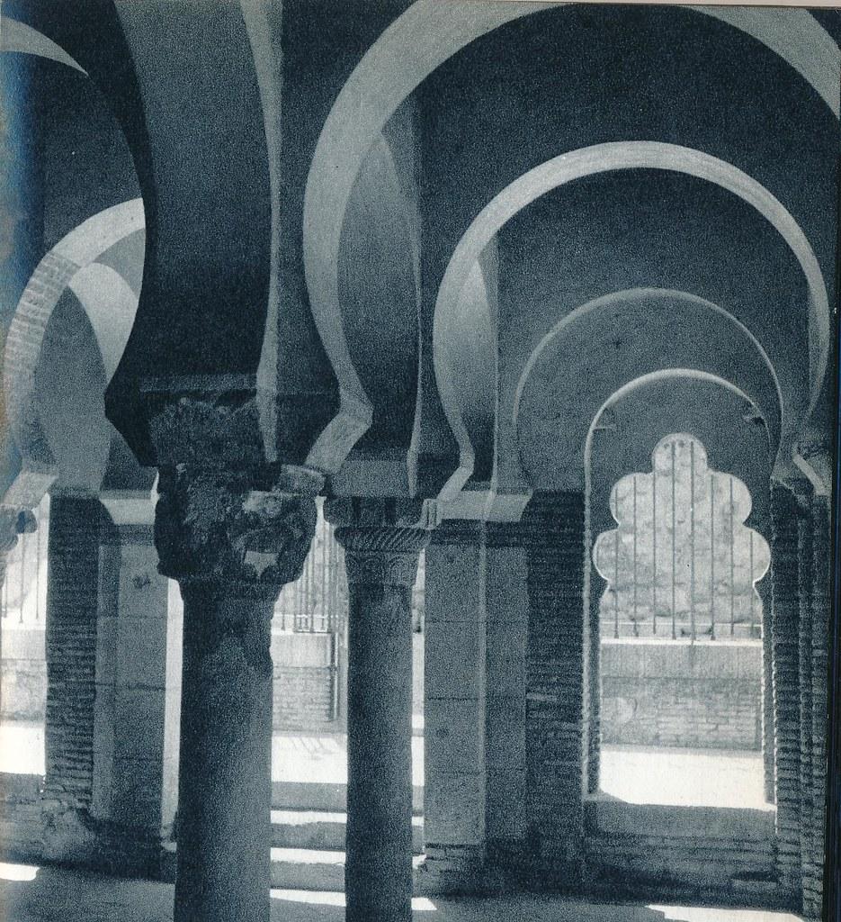 Mezquita del Cristo de la Luz de Toledo en la primavera de 1955. Fotografía de Cas Oorthuys © Nederlands Fotomuseum, Rotterdam