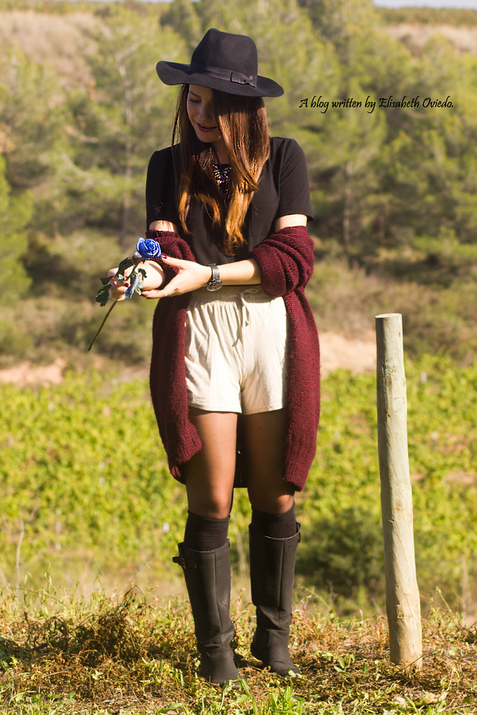 ... cardigan burgundy sombrero negro HEELSANDROSES look lady viñedos cata  Mango Inditex (6)  41c559a4906