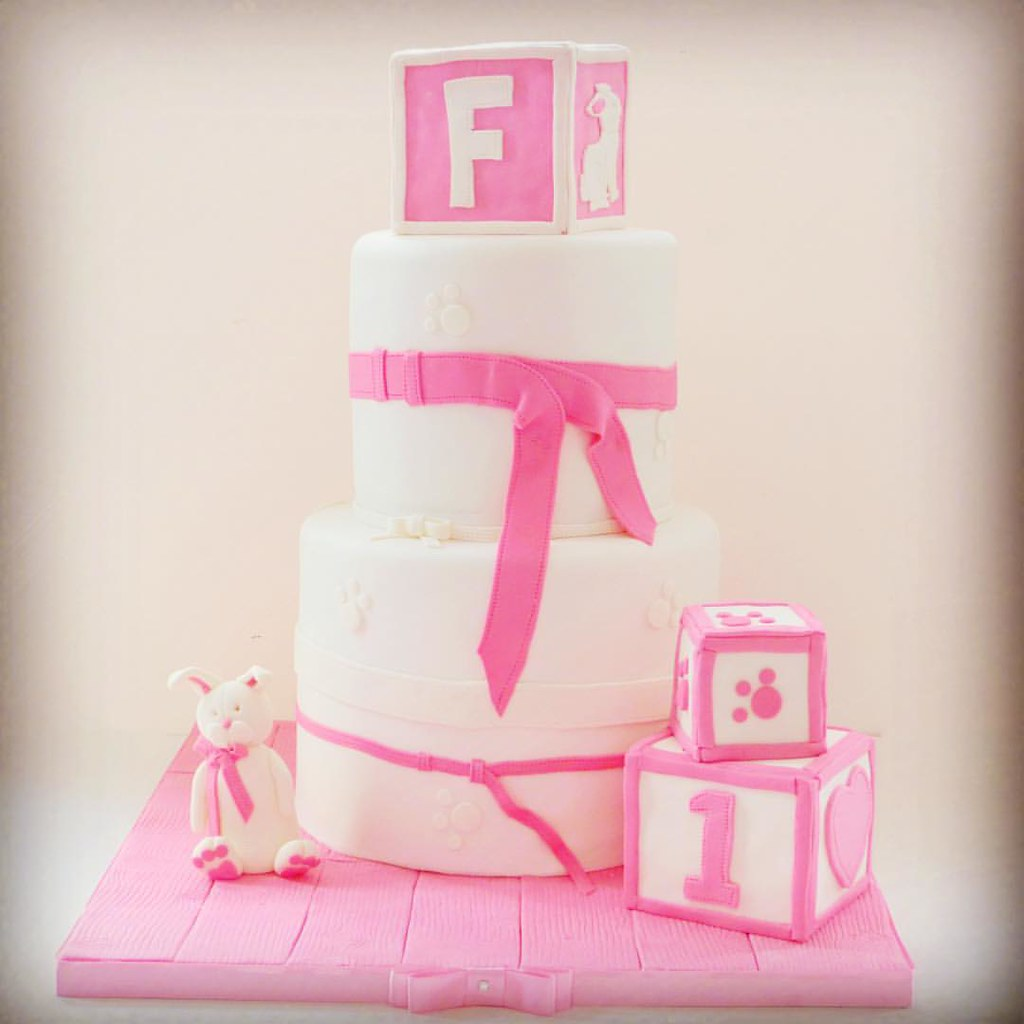 I Loved Getting To Make The Pretty 1st Birthday Cake Flickr