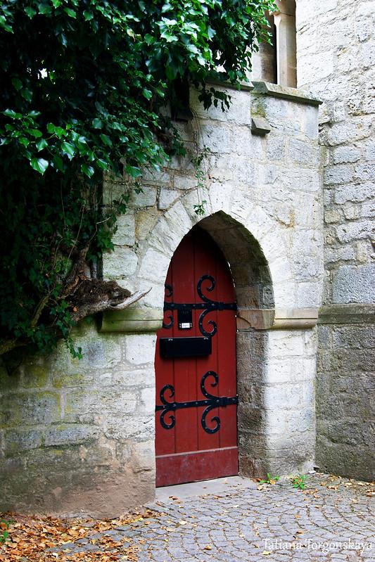 Дверь в замок