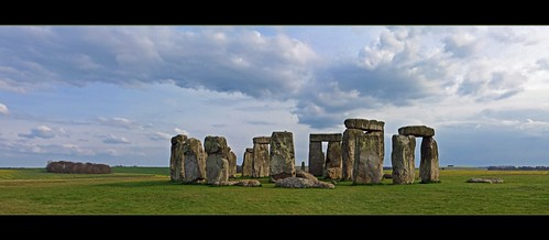 Stonehenge - Prehistoric monument in England | by lathuy