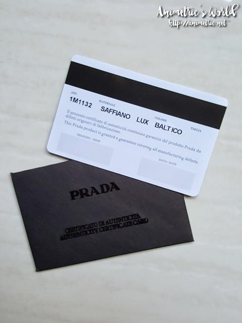 prada_saffiano_wallet3