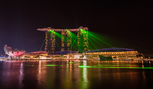 Marina Bay Sands Laser Light Show Every Evening There I Flickr