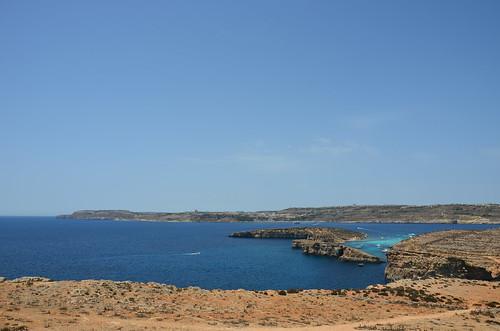 Blick über die blaue Lagune nach Gozo