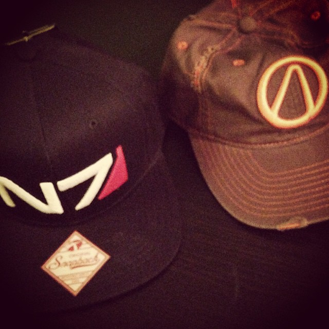 N7 Masseffect And Borderlands Vault Symbol Hats Nycc Flickr