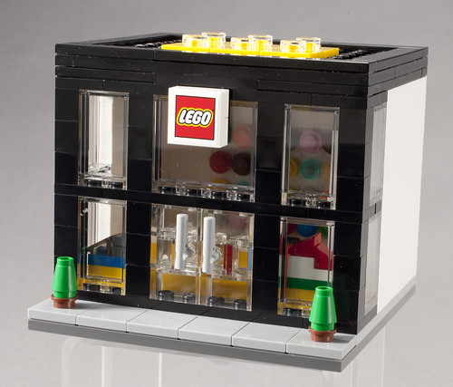 3300003 LEGO Brand Retail Store - Angle | by fbtb