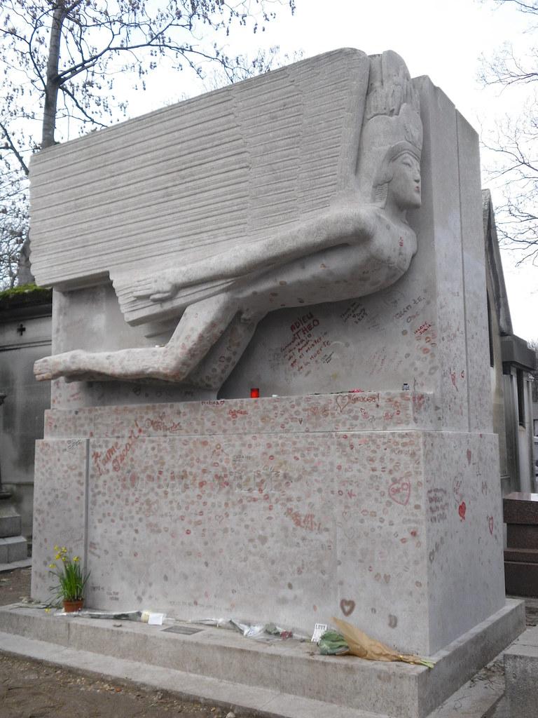 Tombe Oscar Wilde, Cimetière du Père Lachaise, Paris   Flickr