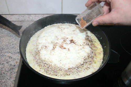 39 - Mit Muskatnuss abschmecken / Taste with nutmeg
