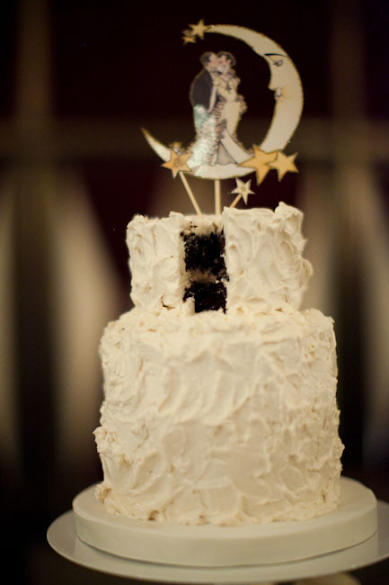 Old Hollywood Glam Wedding Cake | See more images here: ruff… | Flickr