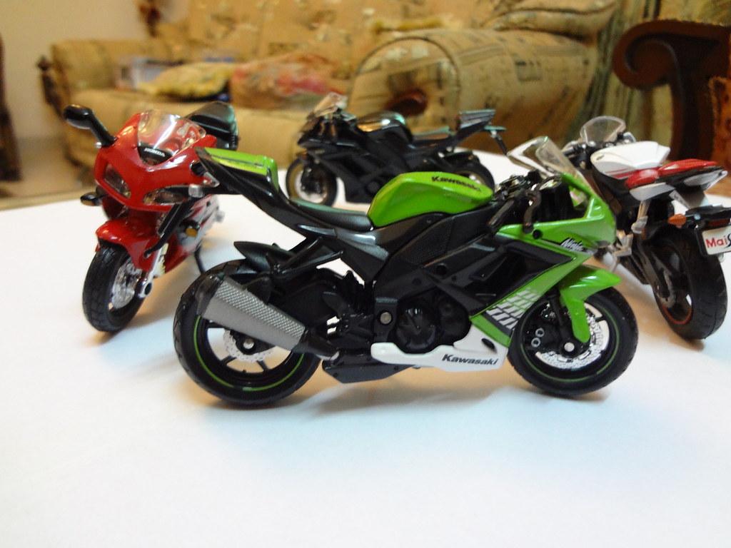 Green Kawasaki Ninja ZX10R Red White Yamaha R6 Black Ka  Flickr