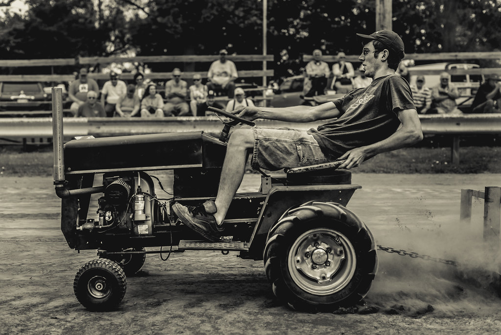 Pull Young Man Wins A Garden Tractor Pull At The Rough And Flickr