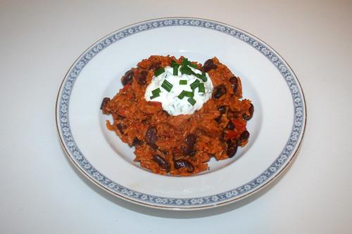 52 - Rice stew with bell pepper, beans & smoked ham & chives cream - Served / Paprika-Reistopf mit Paprika, Bohnen, Kasseler & Schnittlauchcreme - Serviert
