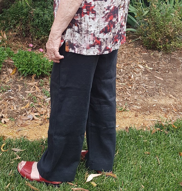Style Arc Peta pants in linen from The Cloth Shop with Hot Patterns Trilogy top in mystery crepe from Darn Cheap fabrics