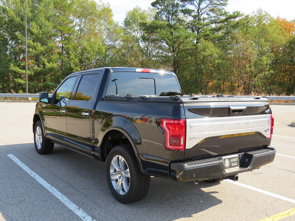 A Heavy Duty Truck Bed Cover On A Ford F150 A Rugged Black Flickr