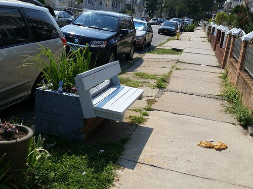 Sidewalk seating | by Hobo Matt