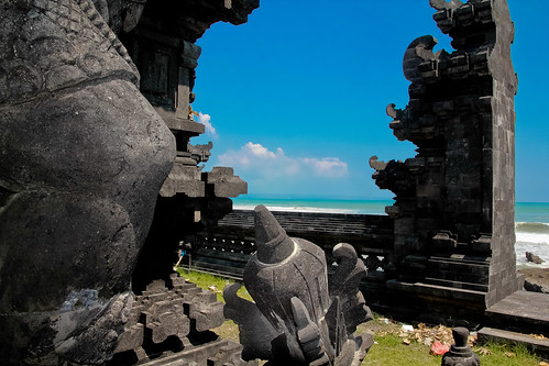 4839 Bali: Temple on the beach........paradise found | by TropicB