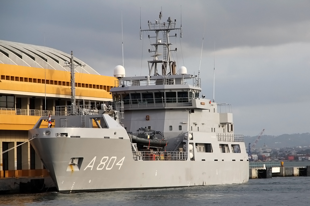 Logistic support vessel HNLMS Pelikaan (A804) 6931993358_d5d5e56b98_b