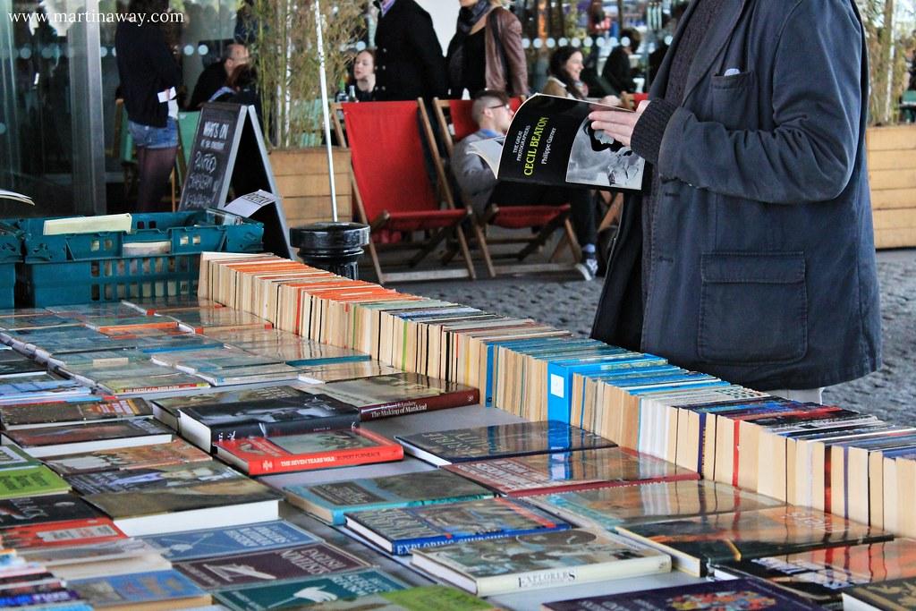 Sea of books.