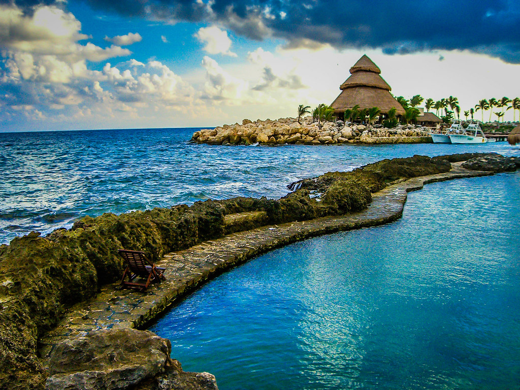 X CARET BY CHRISZAMI