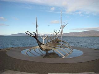 060 Kunstwerk vikingschip