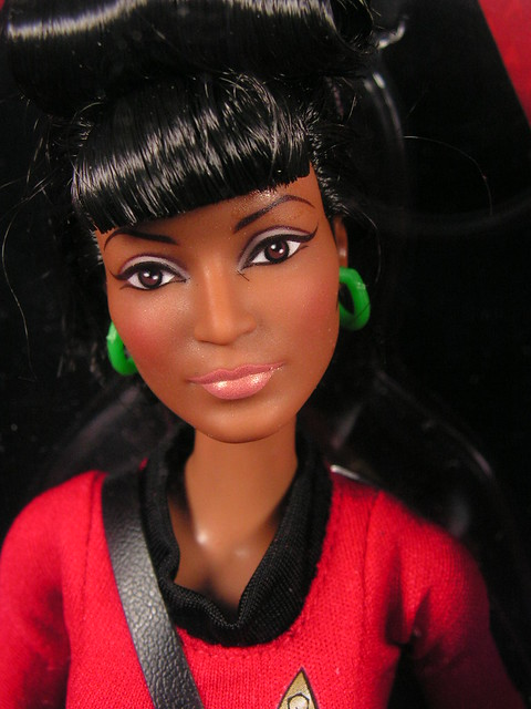 2016 Barbie Star Trek The Original Series Lieutenant Uhura DGW70 (1)