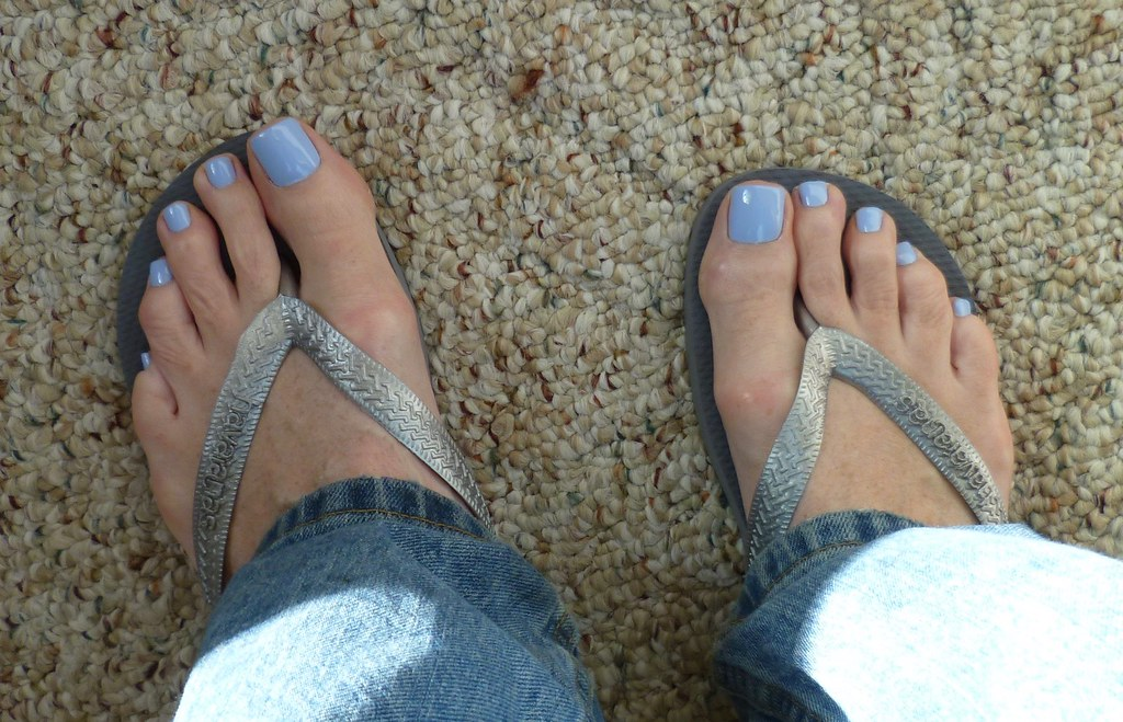 OPI - To Be Continued | The silver Havaianhas work pretty wi… | Flickr
