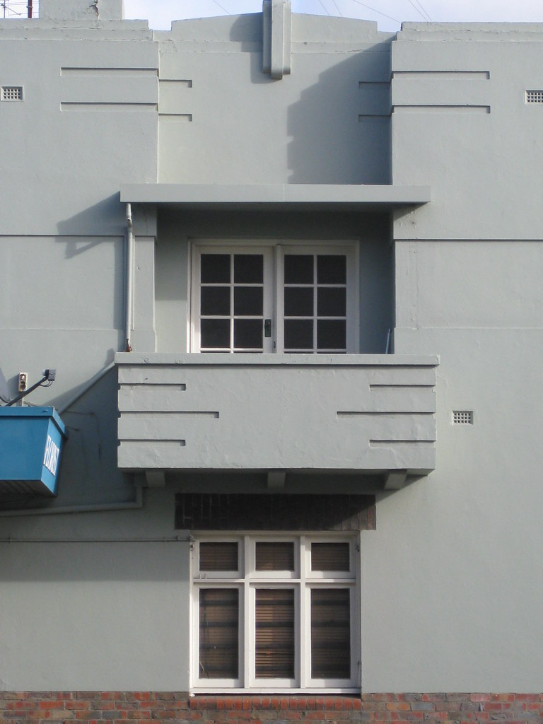 Balcony and Window Detail of a Streamline Moderne Art Deco… | Flickr