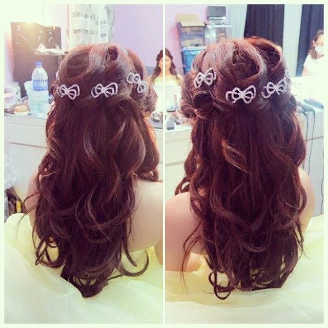 Marvelous Wedding Dinner Hairdo Princess Wavy Hairstyle With Bows B Flickr Short Hairstyles Gunalazisus
