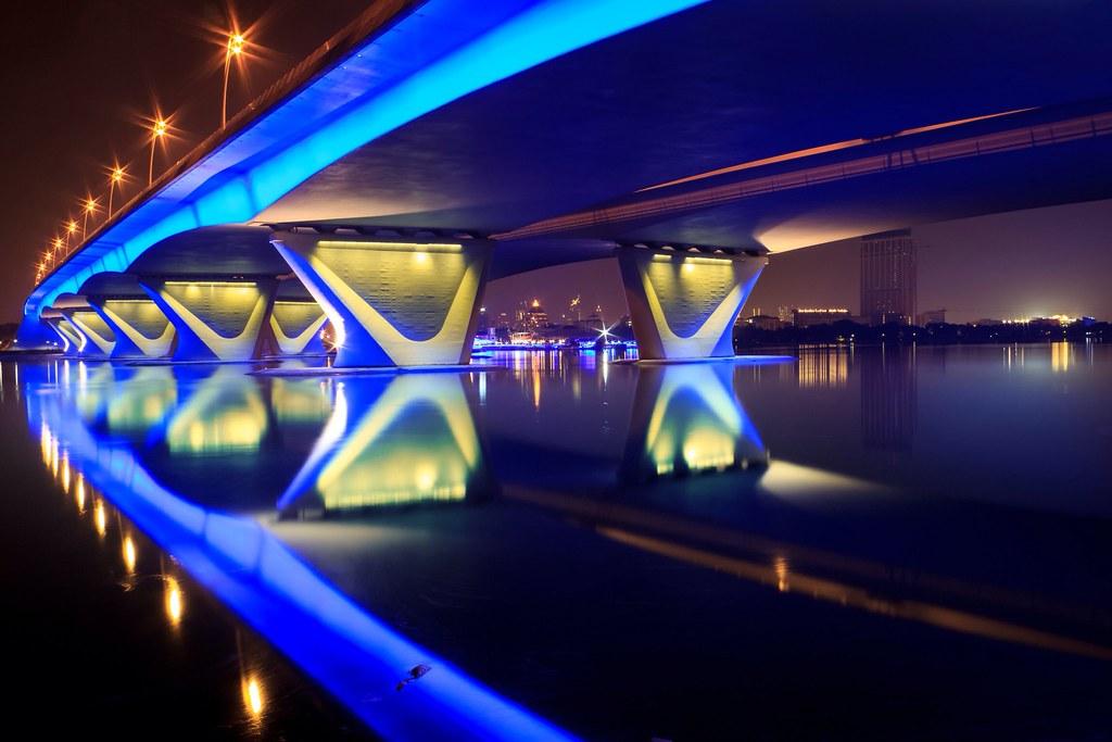 long exposure city lights crossing the bridge of light architecture dubai longexp flickr