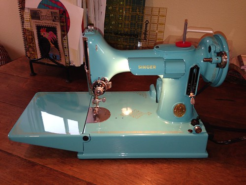 Singer featherweight | by Chatelaine1