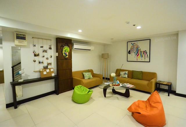 the hostelry Bacolod lobby