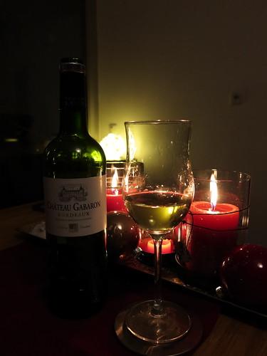 Weißer Bordeaux (vom Weingut Vignobles Latorse Gabaron) zum Essen