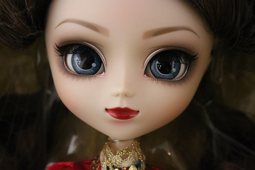Classical Queen Face Up