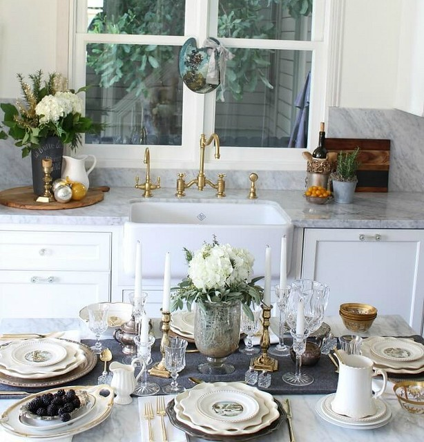 farmhouse-kitchen-tablescape-1-1
