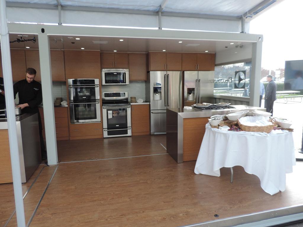 Electrolux mobile kitchen flickr for Kitchen set electrolux
