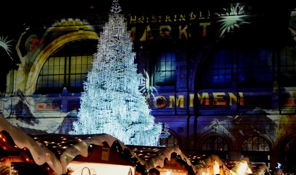 Zurich Christmas market: Wonderful Swarovski Christmas Tre… | Flickr