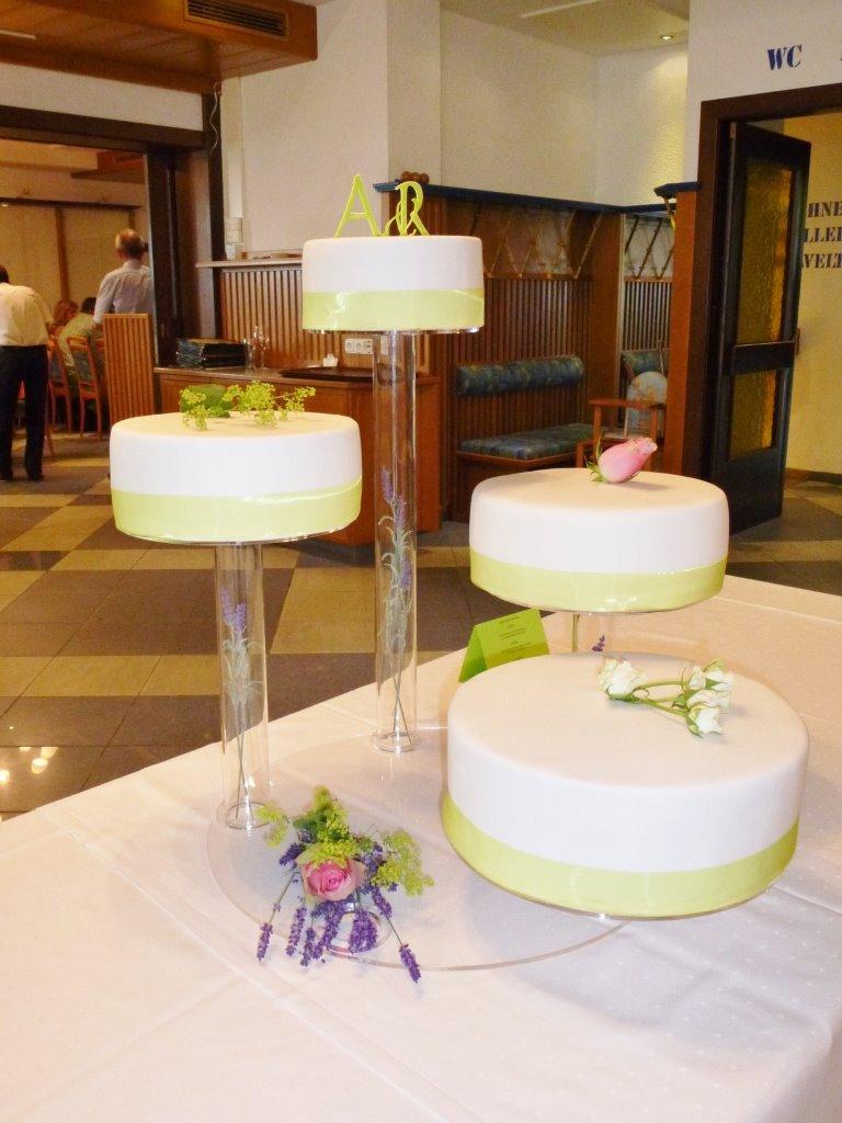 Schlichte Hochzeitstorte Schwarzwalder Kirschtorte Mohnsch Flickr