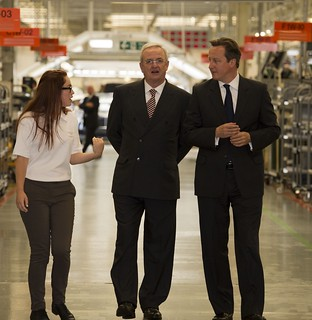 Pm Visits Bentley Motors In Crewe Pm Meets Staff At Bentle Flickr