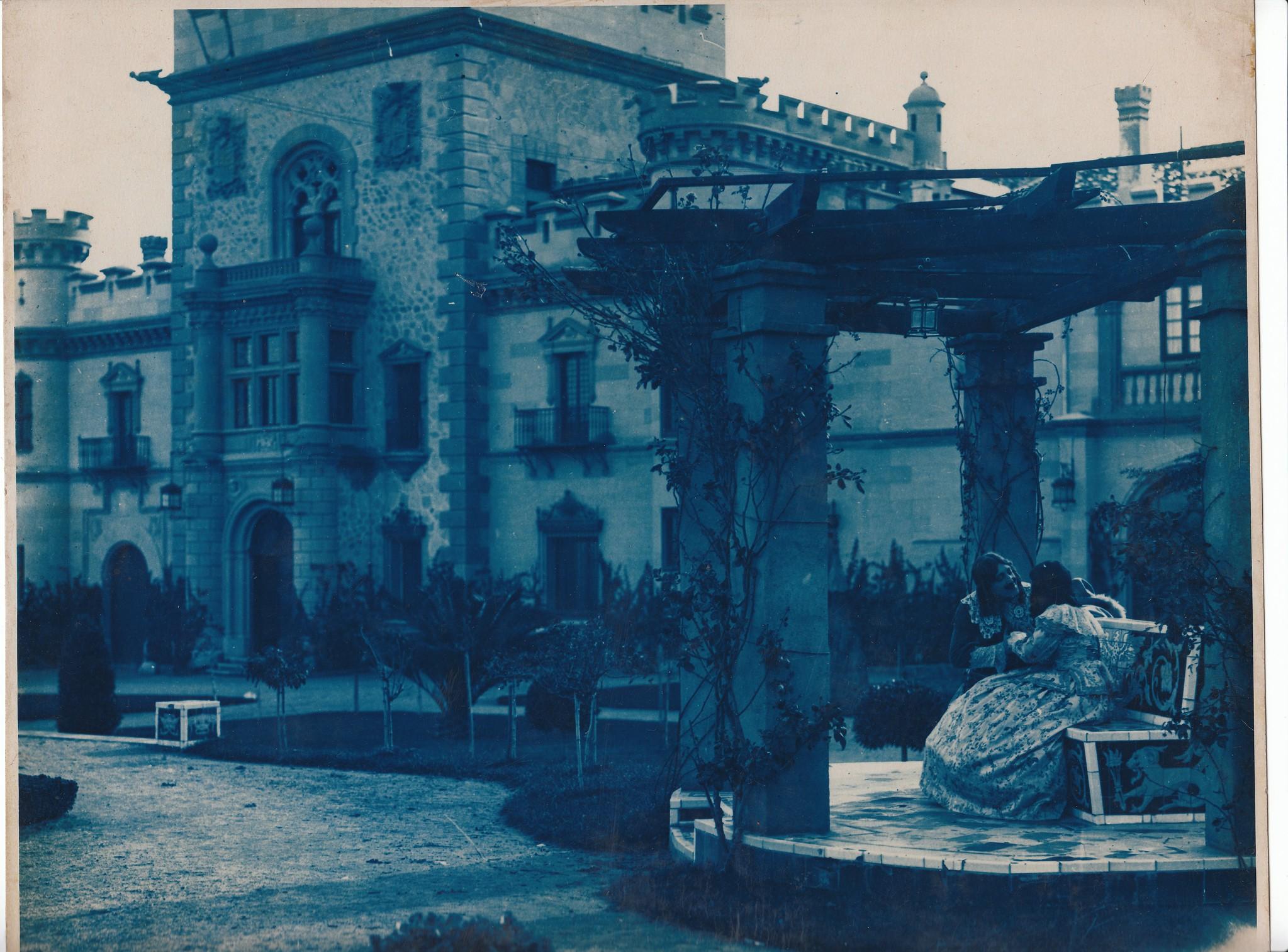"""Rodaje de """"A buen juez mejor testigo"""" (1926). Palacio de la Sisla. Colección Luis Alba"""