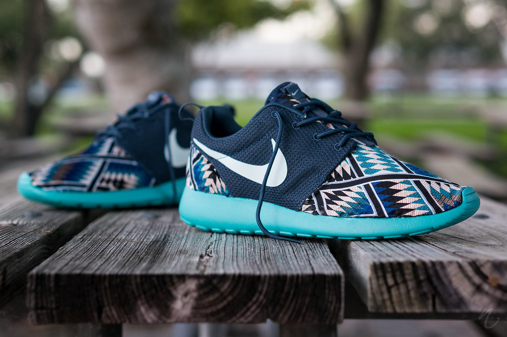 Roshe Runs Tribal Blue Diamond Supply Co X Nike Sb Black Gold ... 1cb42fdef