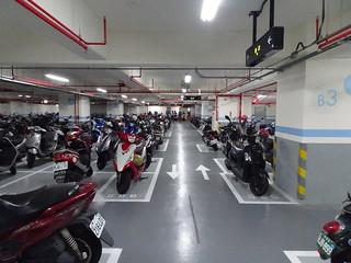B3 機車停車場