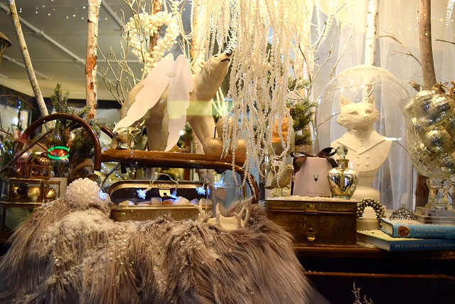 Queen Bee Home Christmas Window 2016, Canterbury | www.rachelphipps.com @rachelphipps