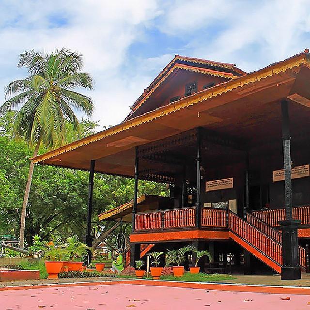 Rumah Adat Bantayo Poboide Lokasi Limboto Kabupaten Flickr