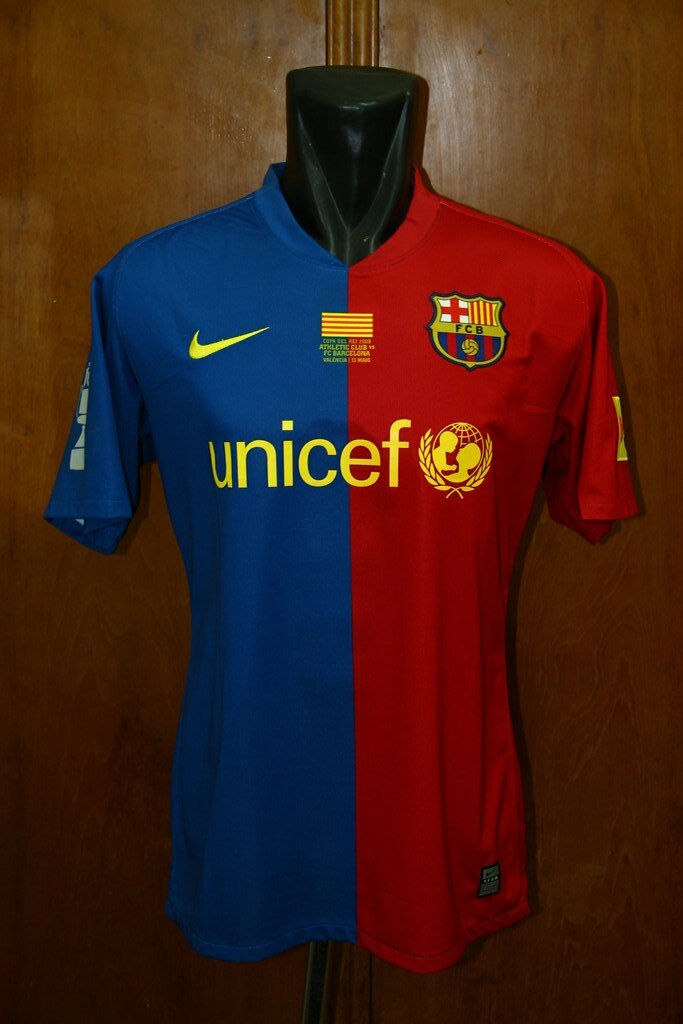 d382175b5 ... Barcelona Home 2008 2009 Match Issued